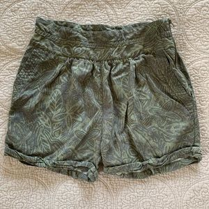 Wilfred patterned shorts- size 4